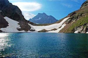 Lago-arratille-y-col-arratille