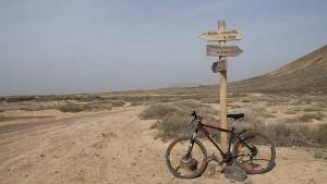 a_graciosa_en_bicicleta