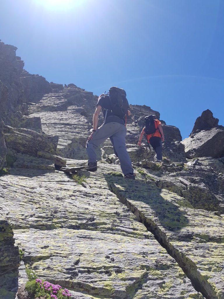 medacorba-roca-entravessada-desde-arinsal