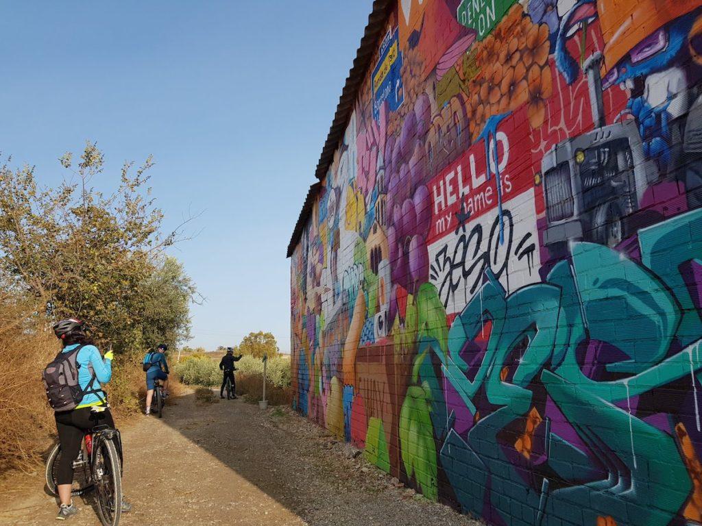 Graffitis_penelles_ruta_bici